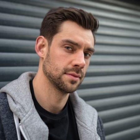 Profile picture of James Washington